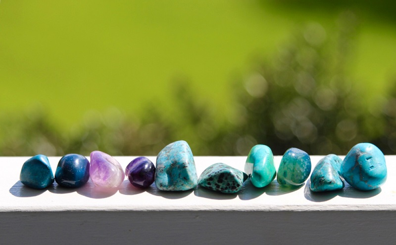 Throat Chakra healing stones